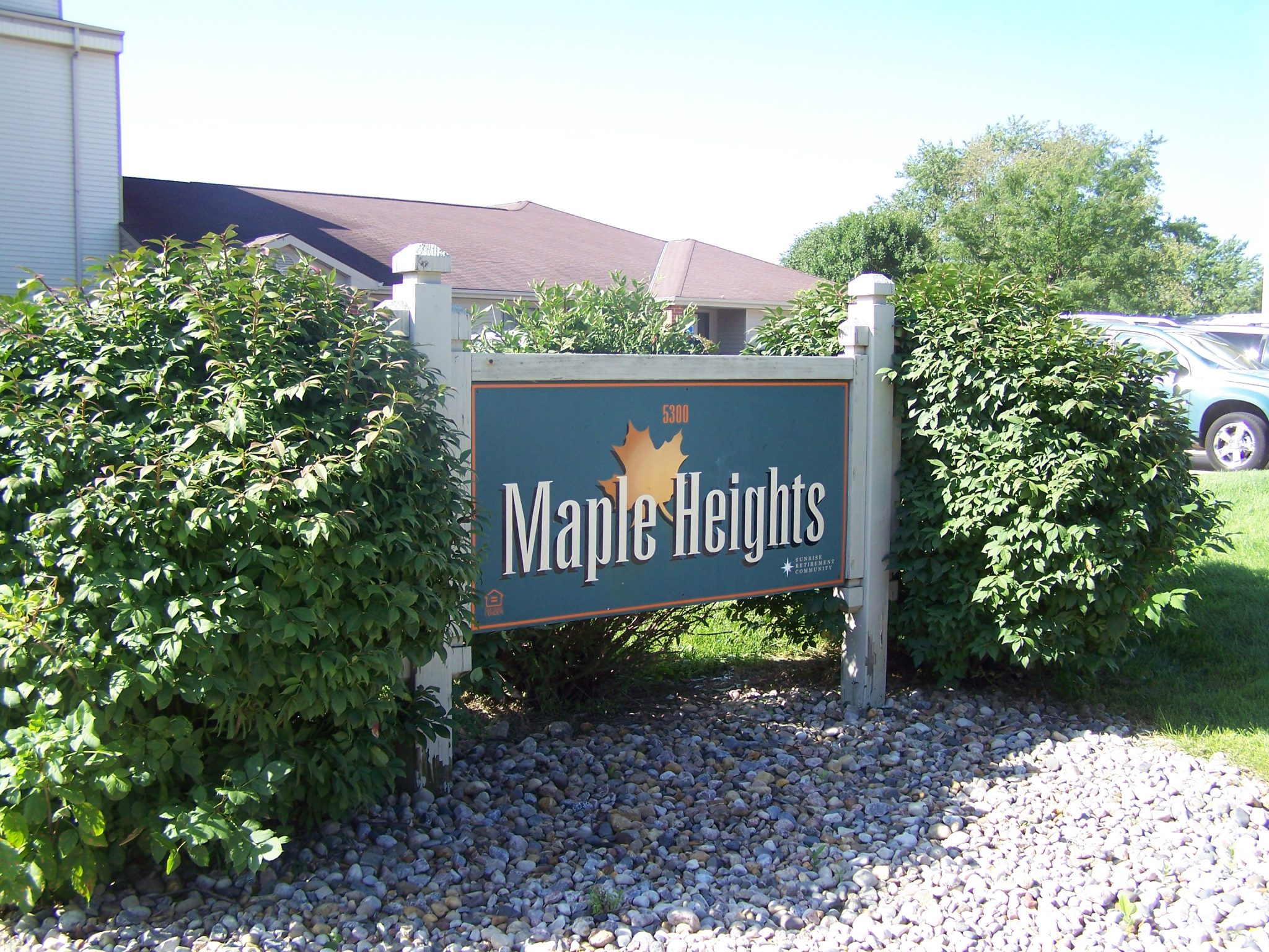 maple heights apartments sign